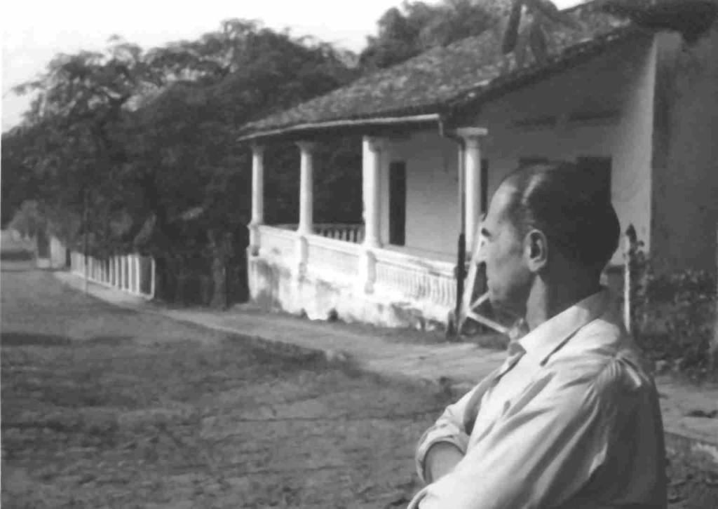 Gabriel Casaccia y su casa de Areguá. Fotografía: Miguel Ángel Fernández.