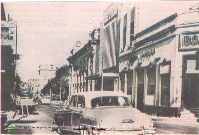 El Cine Splendid, en la calle Estrella casi Alberdi, durante la década del 1960.