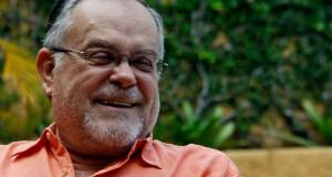 Diálogo con el escritor Mempo Giardinelli en la Libroferia Asunción 2015